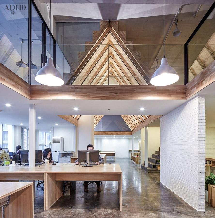 小面积办公室_AD110·出色 有台阶、有屋顶,成都这家工作室的办公空间不错 ...